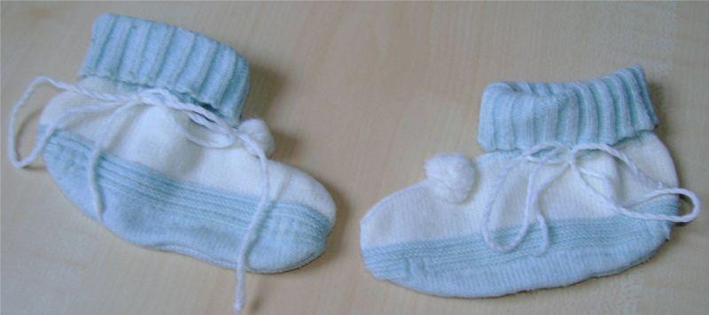 chaussons en laine bleu et blanc.jpg