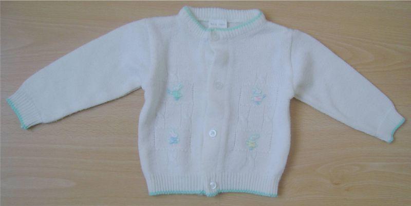 brassiere blanche avec petits lapins 3 mois.jpg