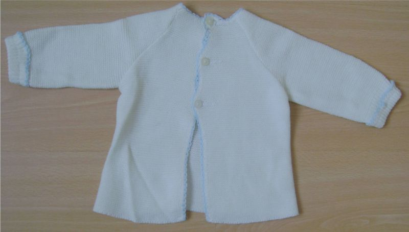 brassiere blanche et bordures bleues.jpg
