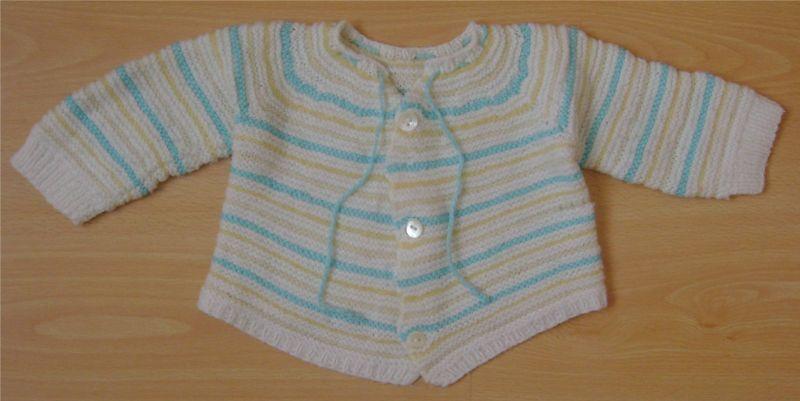 brassiere blanches a rayures bleues et jaunes.jpg