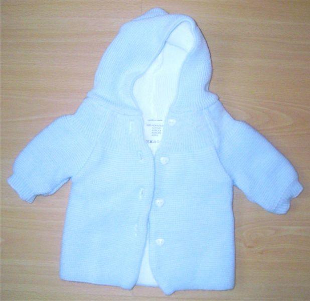brassiere bleue a capuche neuve.jpg