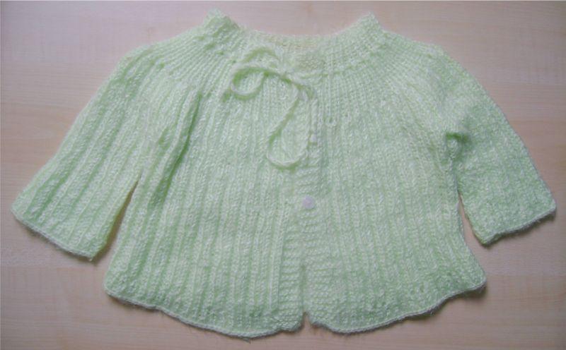 brassiere verte en laine.jpg