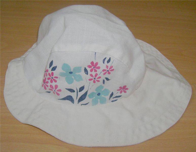 Chapeau blanc assymétrique avec fleurs.jpg abc2363f045