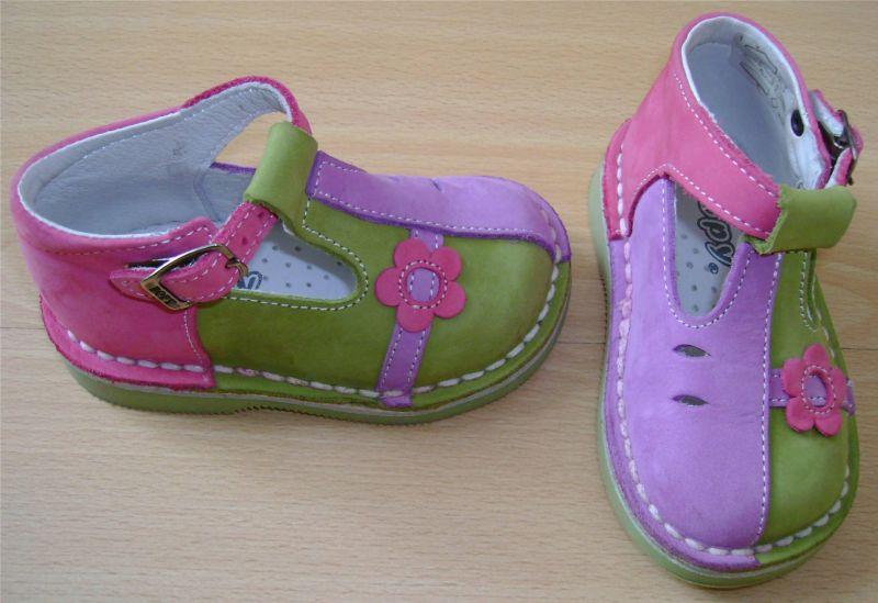 sandalettes bopy neuves Pointure 20.jpg