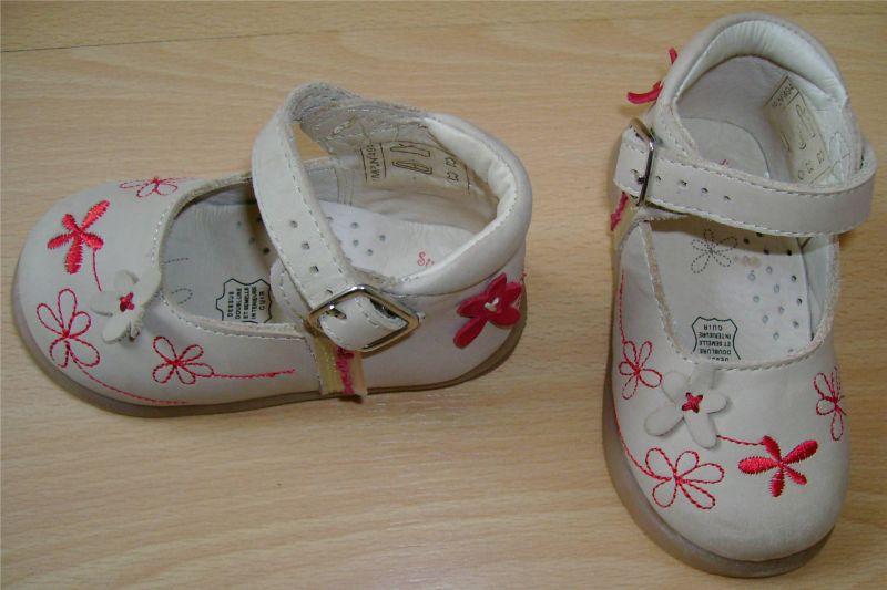 sandalettes sucre d'orge neuves Pointure 20.jpg