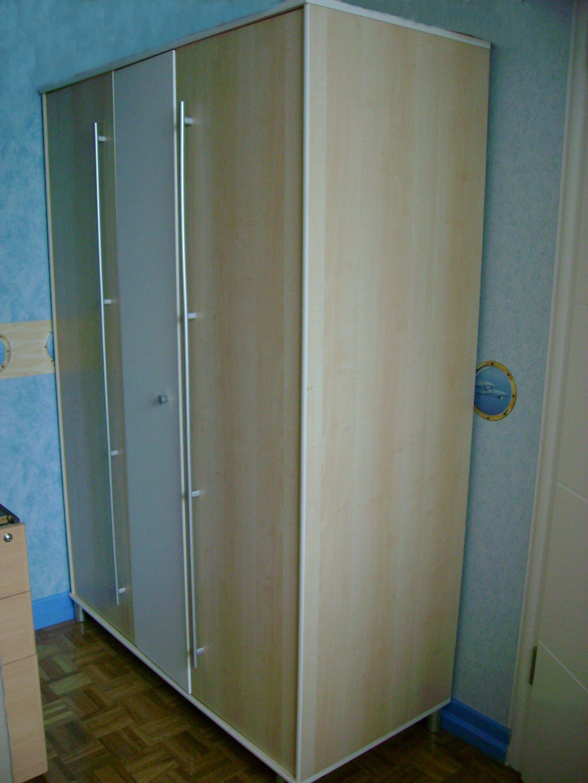 Armoire chambre grande largeur design d 39 int rieur et for Grande armoire chambre